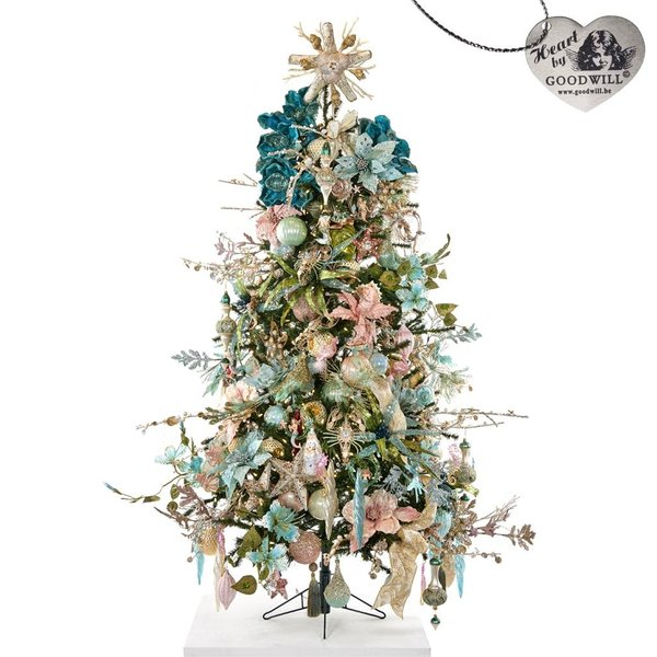 Good Will  DECORATED FULL TREE TREASURES OF THE SEA