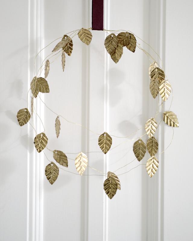 DELIGHT DEPARTMENT  5 Metal leaf beads