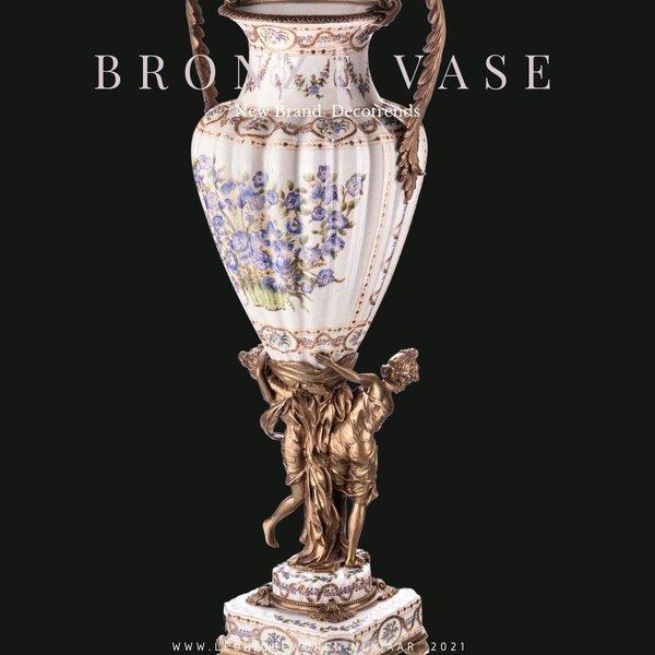 Decotrends  Porcelain with bronze vase with women Te bestellen vanaf 8 januari 2021