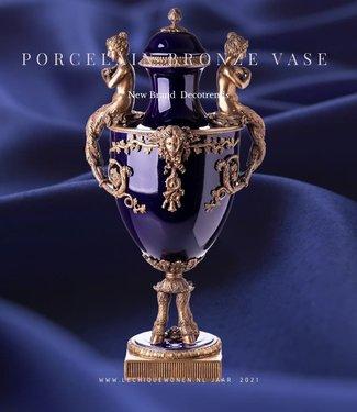 Decotrends  Porselein met een bronzen dekselvaas