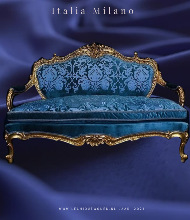 Wafaa Okka  Luxe baroque canape bleu