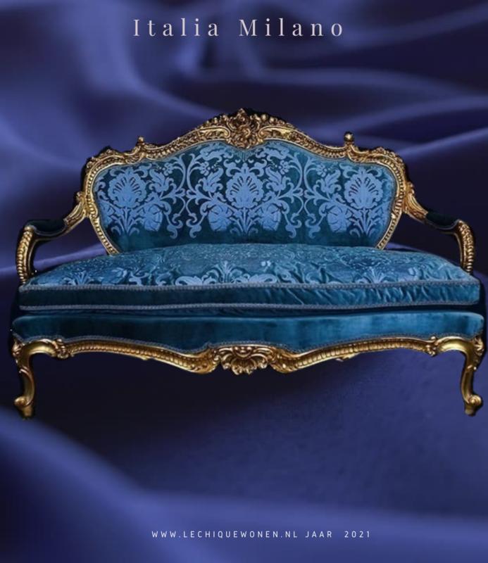 Wafaa Okka  Luxe baroque canape bleu or passion