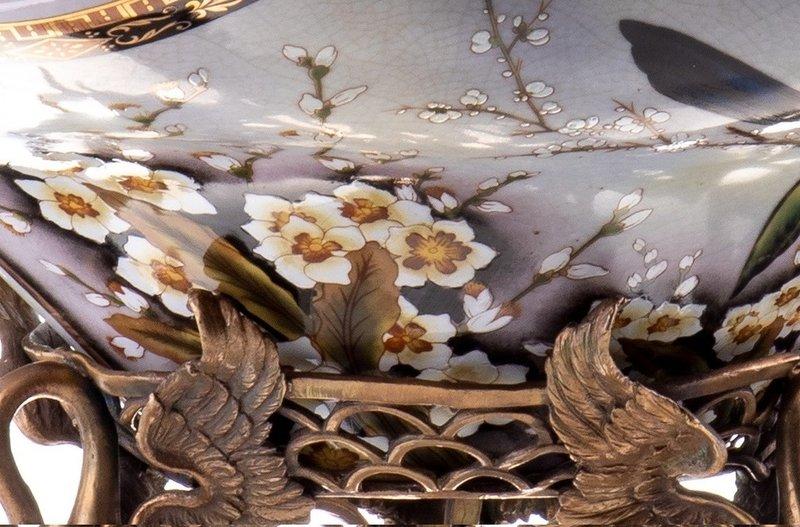 Decotrends  Bronze porcelain bowl with swans