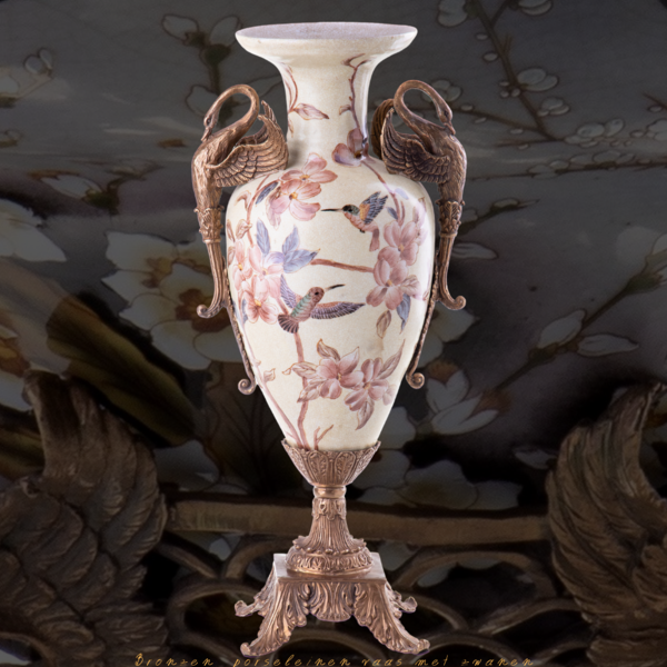 Decotrends  Bronzen  porseleinen vaas met zwanen