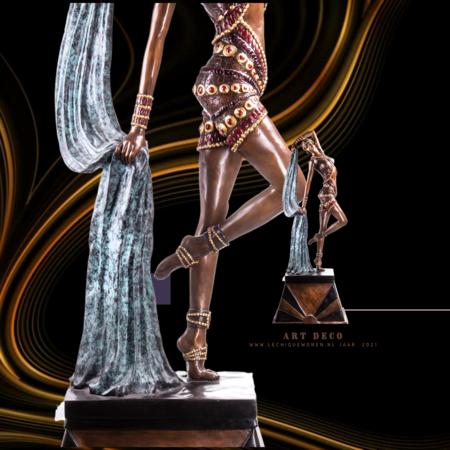 Decotrends  New  Art Deco bronzen figuur danseres afm  210 x 85 x 55 cm