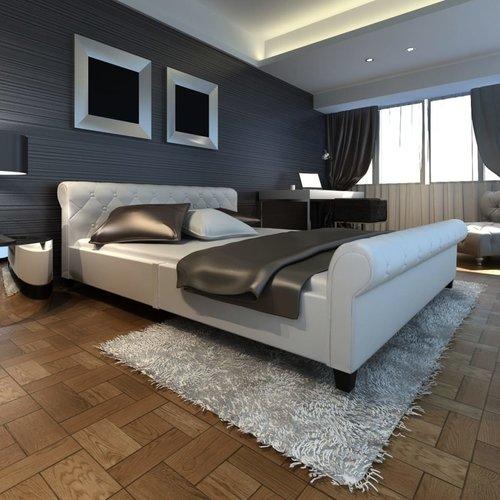 Bed met matras kunstleer wit 140x200 cm