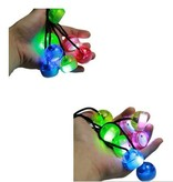 Banzaa Vinger Yoyo – 2 stuks Thumb Chucks Finger jojo – Inclusief Lichtjes – Vingeroefeningen Zenuwtikken Controle – Blauw, Rood