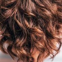 Het dragen van een haarwerk