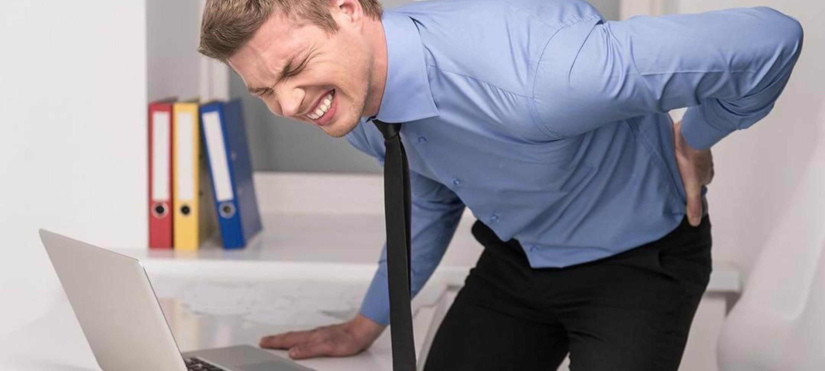 Fysiotherapeuten zien toename aantal klachten thuiswerkers.