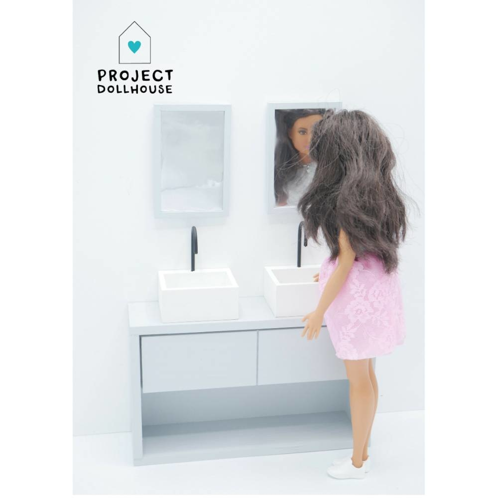 Bathroom Grey Barbie-4