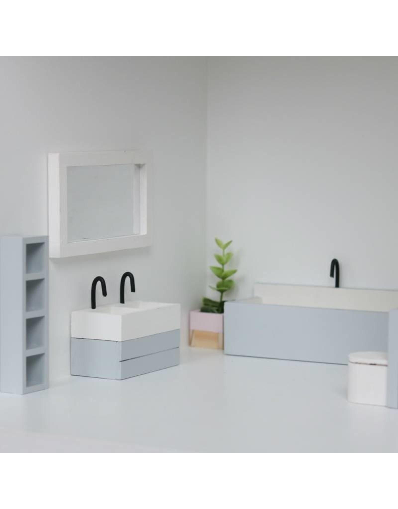 Project Dollhouse Bathroom mirror Grey