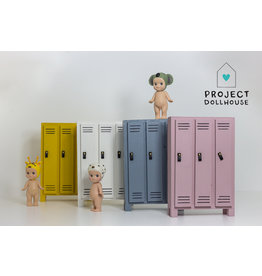 Project Dollhouse Lockerkast