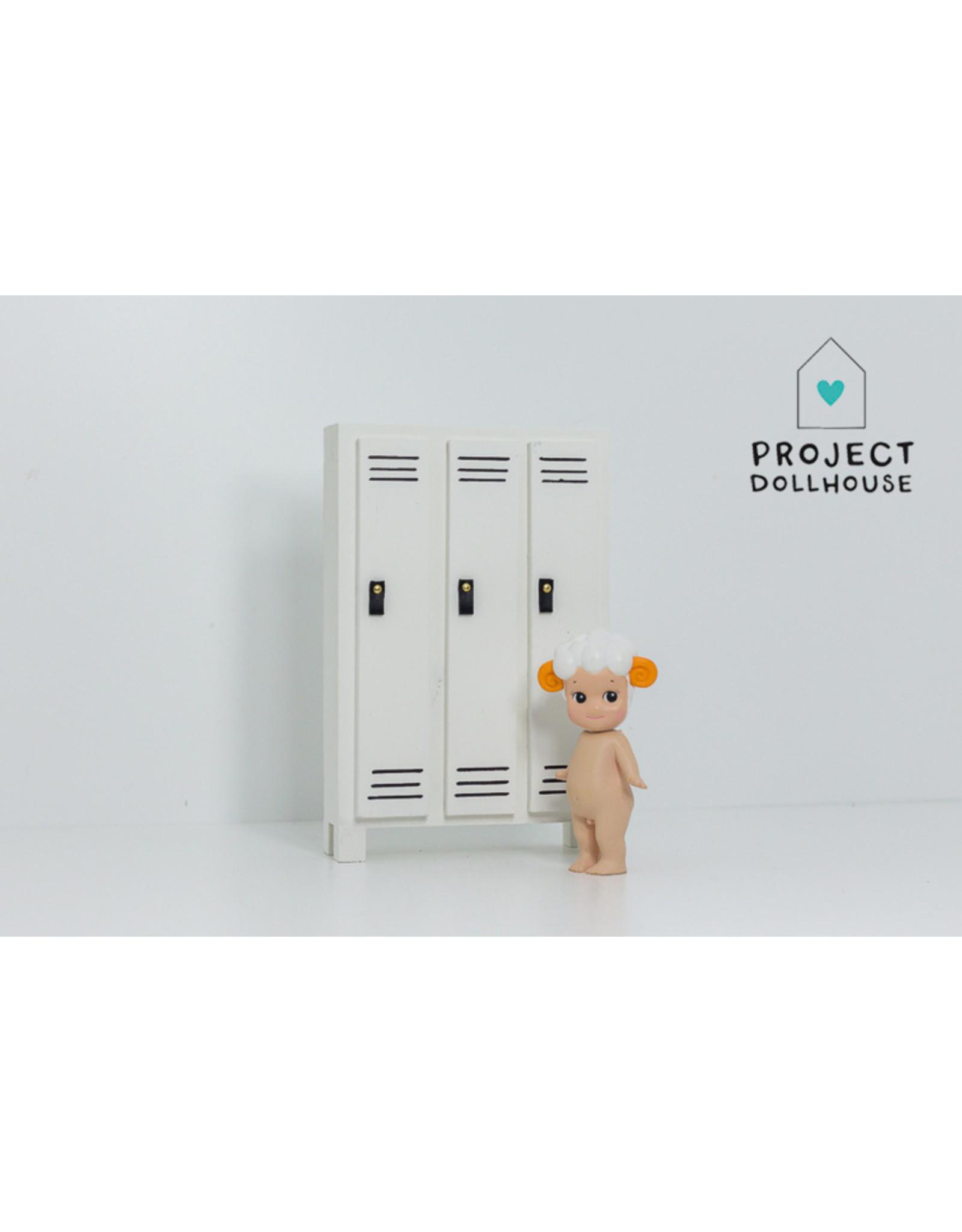 Project Dollhouse Lockerkast