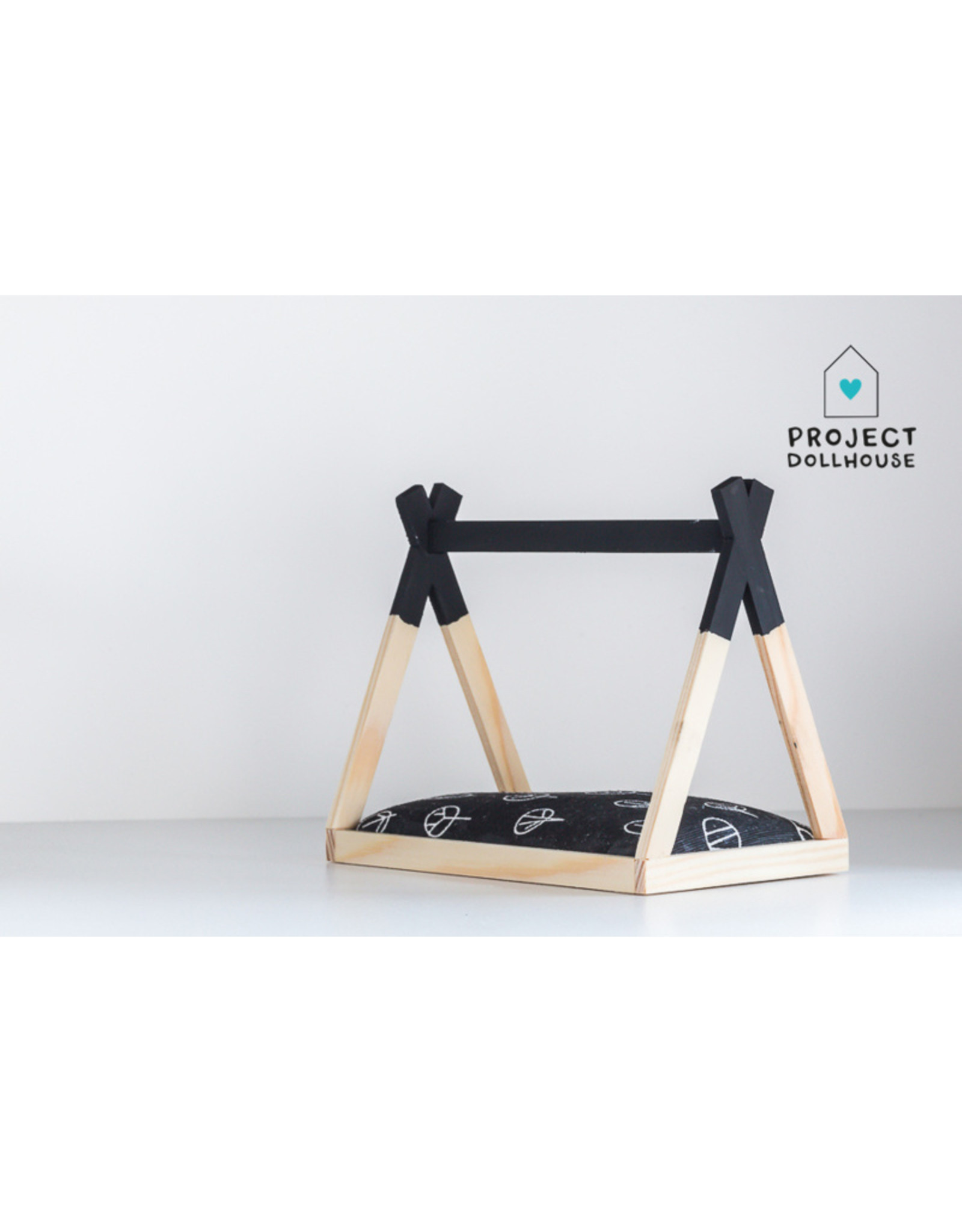 Project Dollhouse Tipi Bed Open Model Zwart