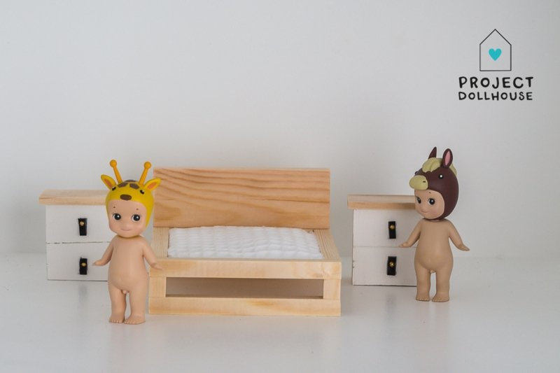 Natural wooden double bed-2