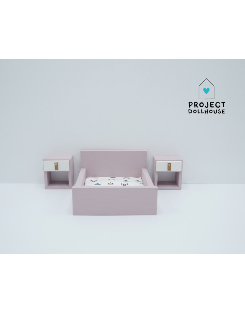 Project Dollhouse Old Pink Double bed closed model