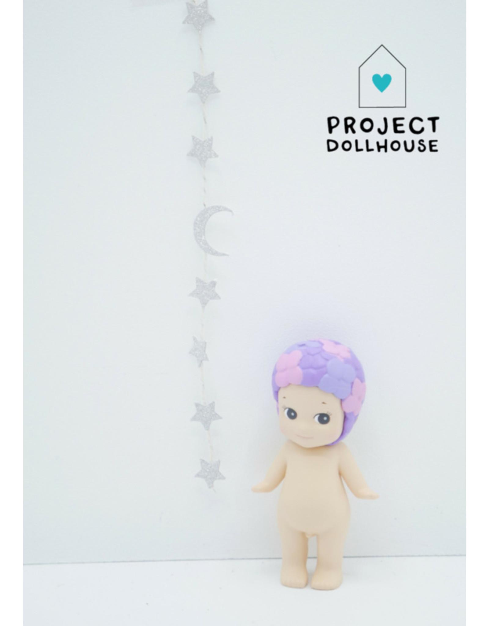 Project Dollhouse Slinger Sterren en Maan