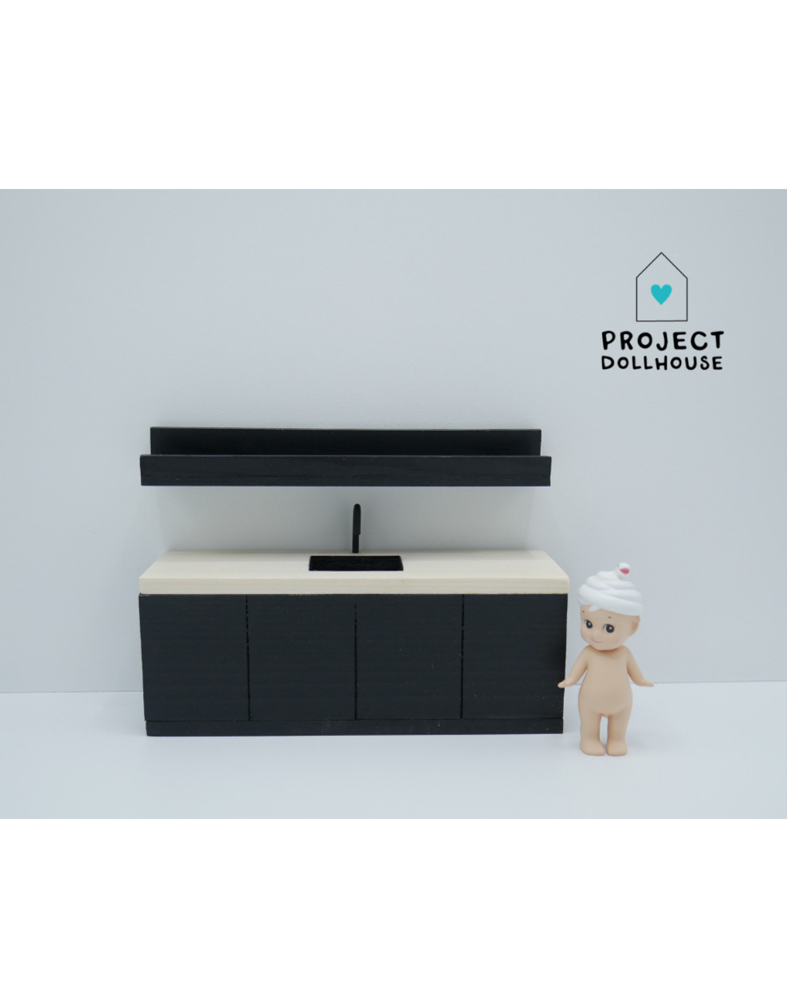 Project Dollhouse Black kitchen with wooden countertop 18 cm