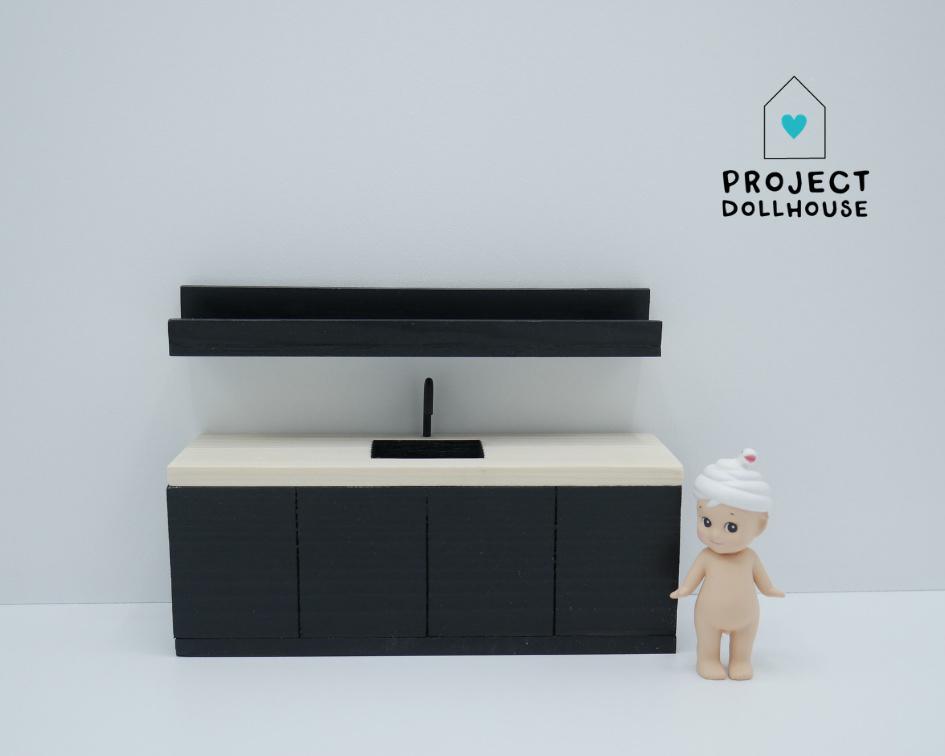 Zwarte keuken met houten werkblad-1