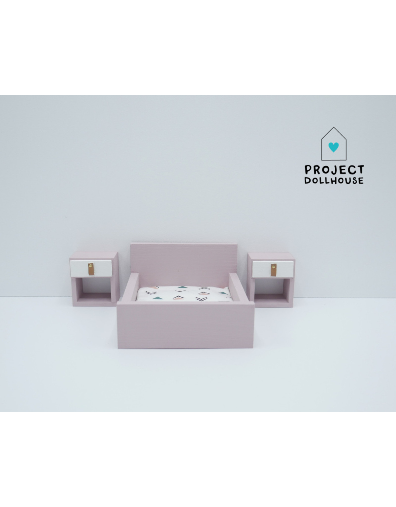 """Project Dollhouse Old pink Bedside tables """"Cube"""""""