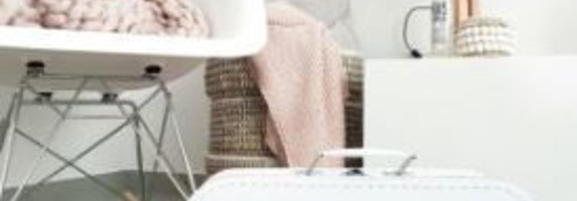 Dollhouse suitcase White