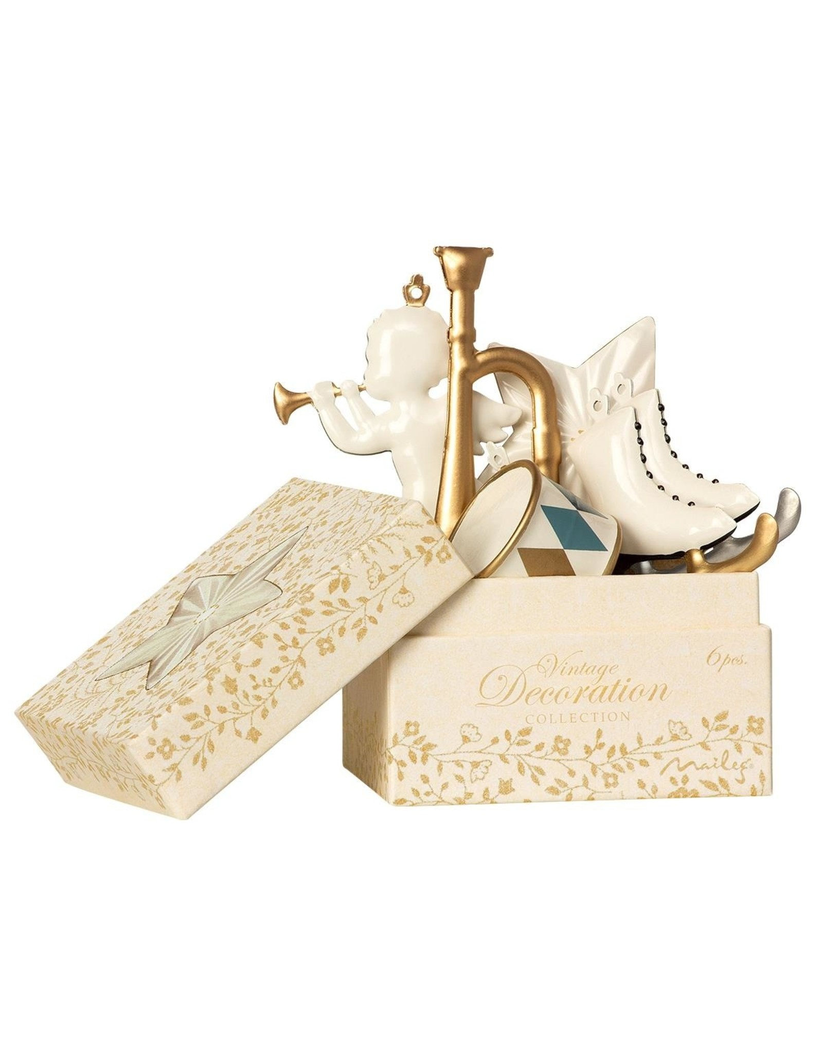 Maileg  Gift box with Christmas decoration White