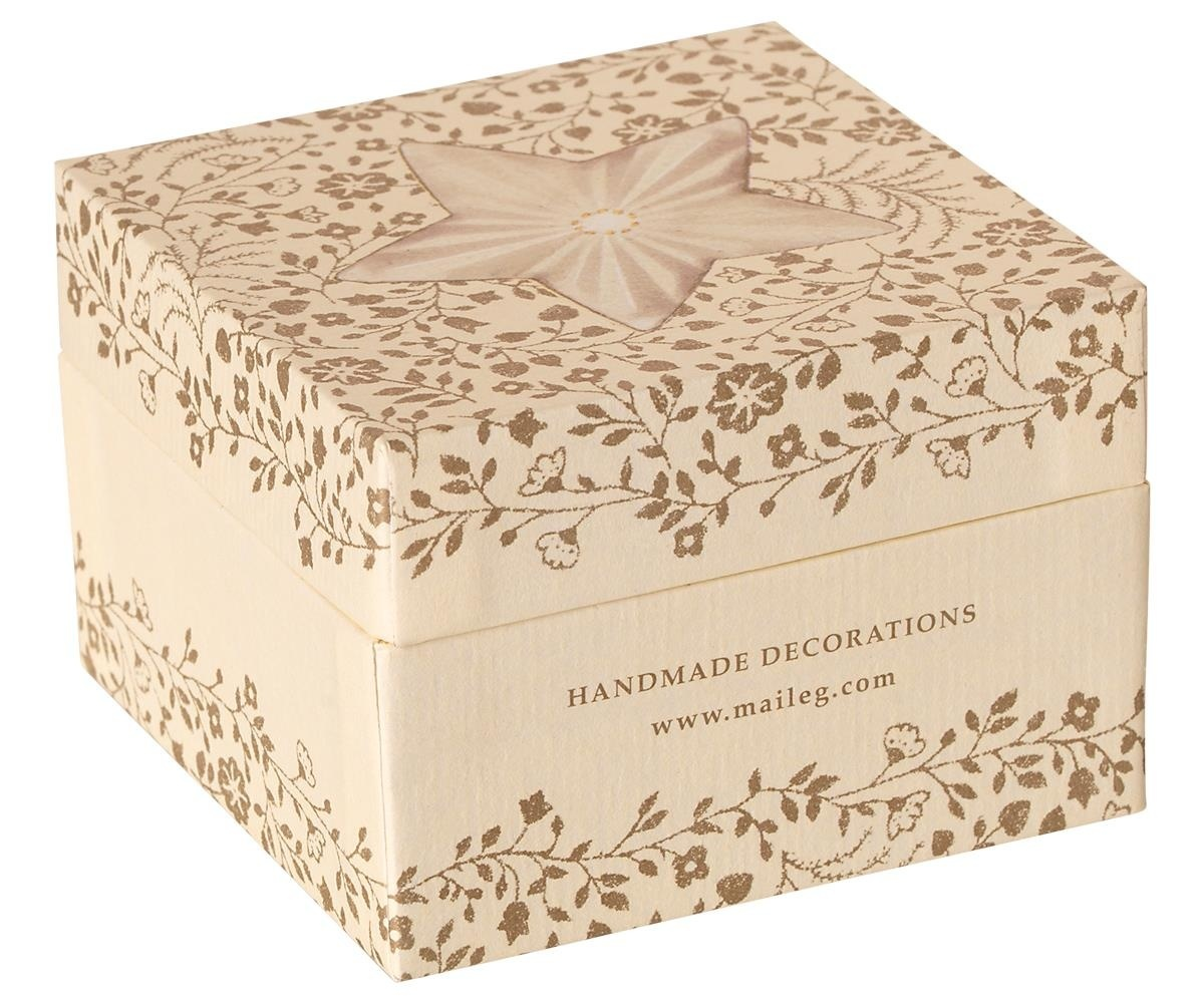 Gift box with Christmas decoration White-3