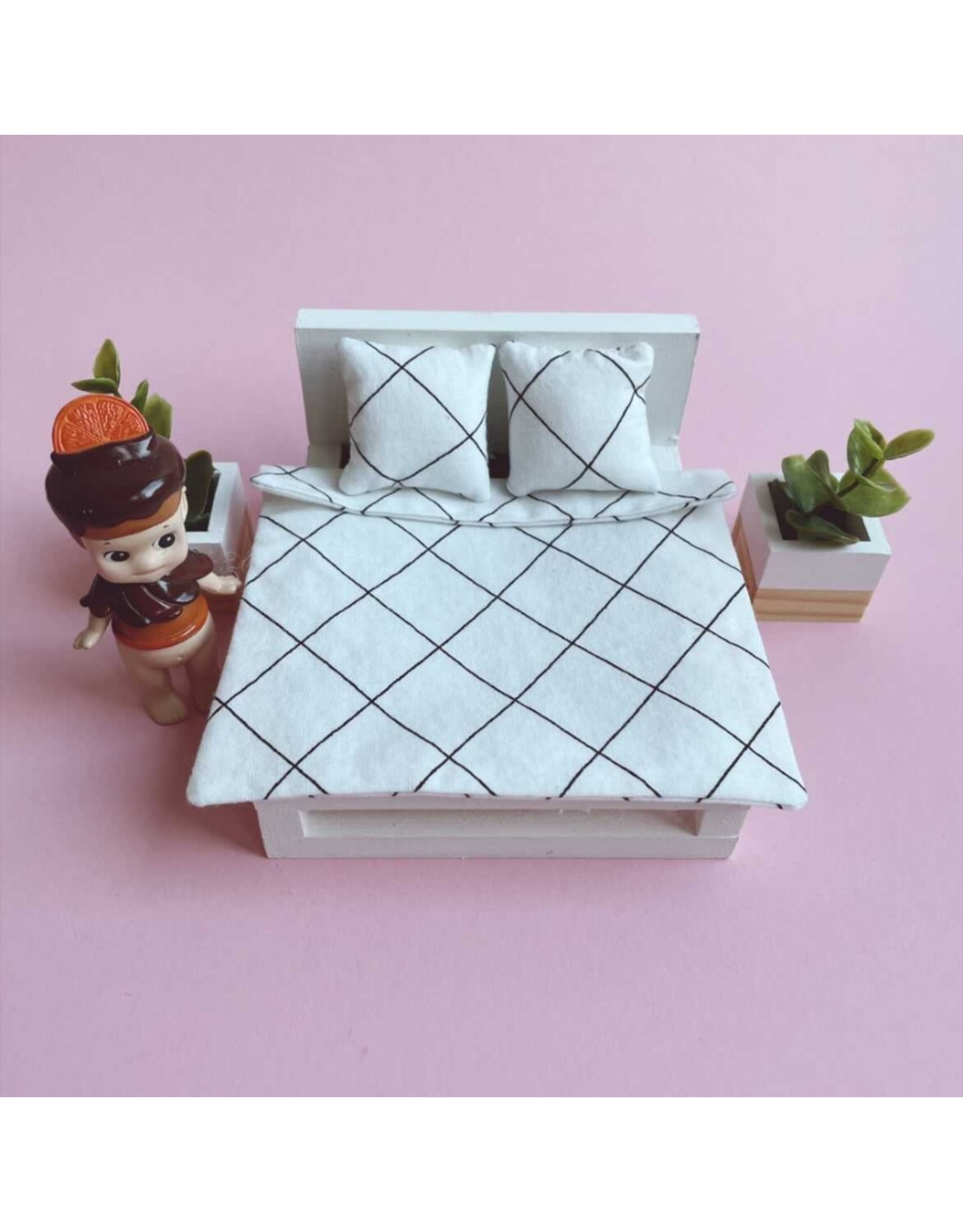 ApplesauceAndKetchup Bedding Dollhouse Double bed Black / White
