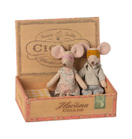 Maileg Father and Mother Mouse in Cigar Box - 15 cm