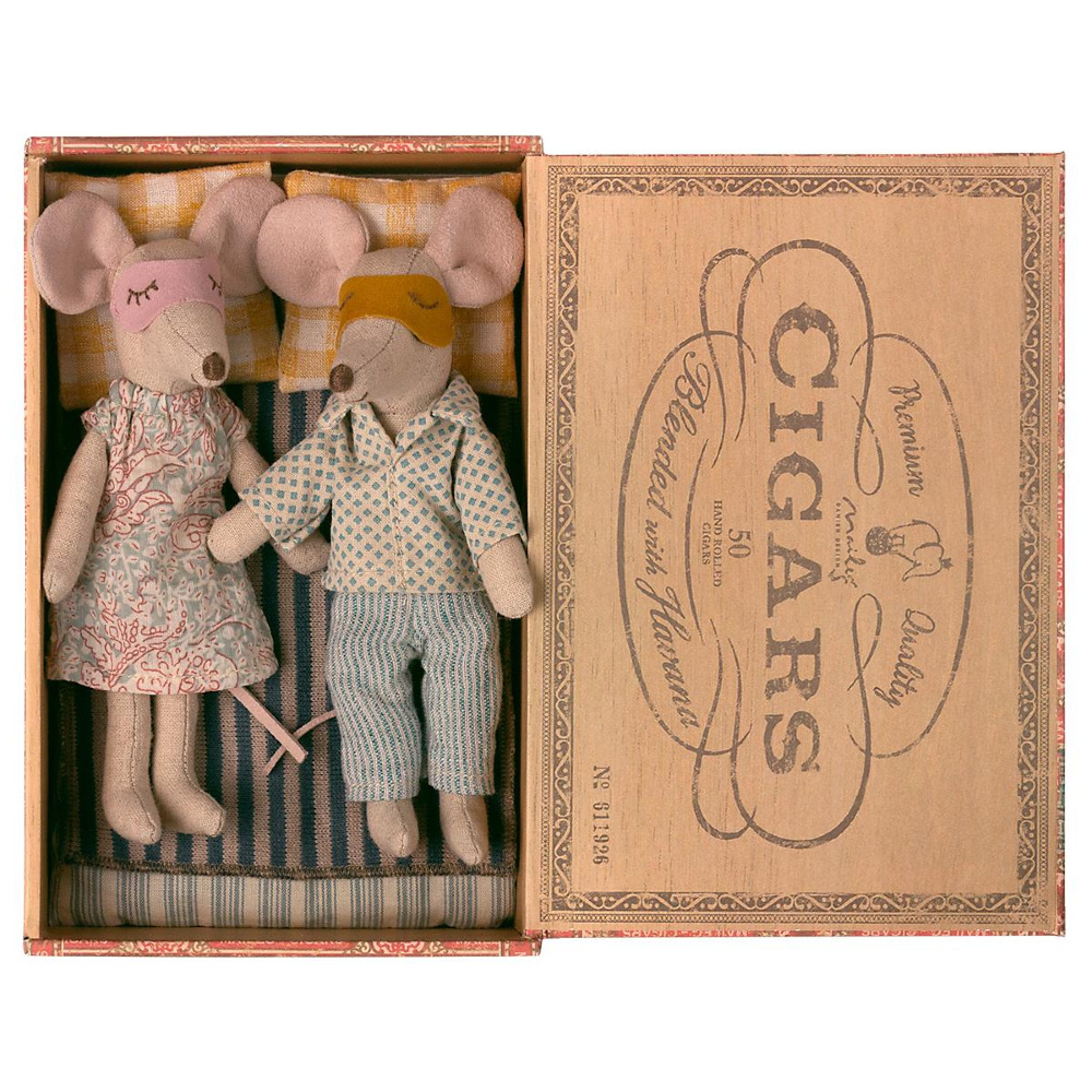Father and Mother Mouse in Cigar Box - 15 cm-2