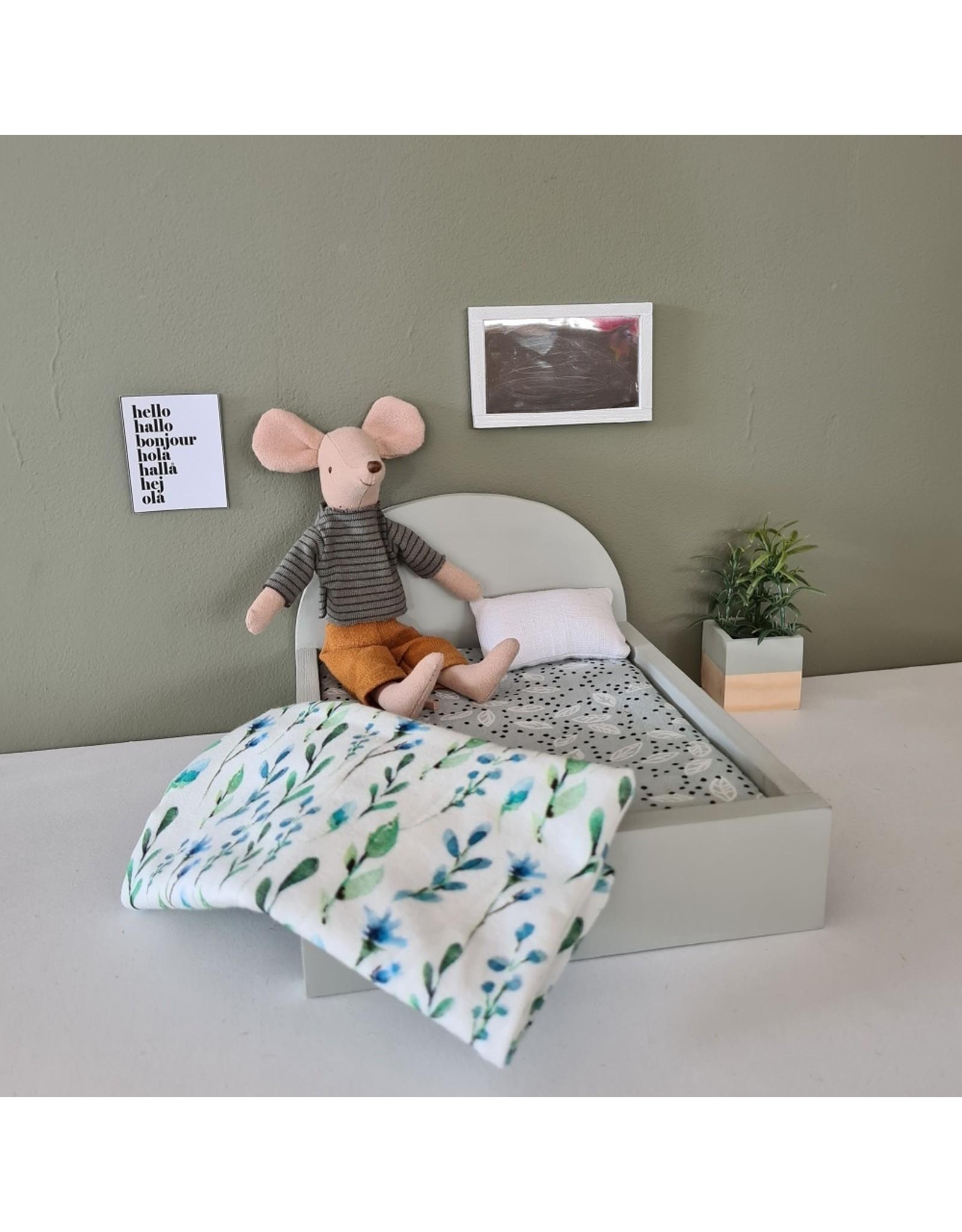 Project Dollhouse Bed voor Maileg muisjes Groot - Gentle Green