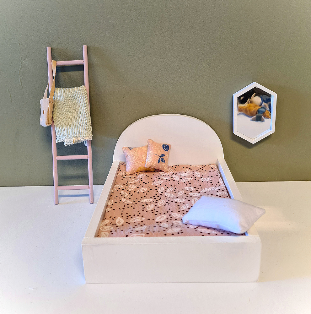 Bed for Maileg Mouses Big - White-2