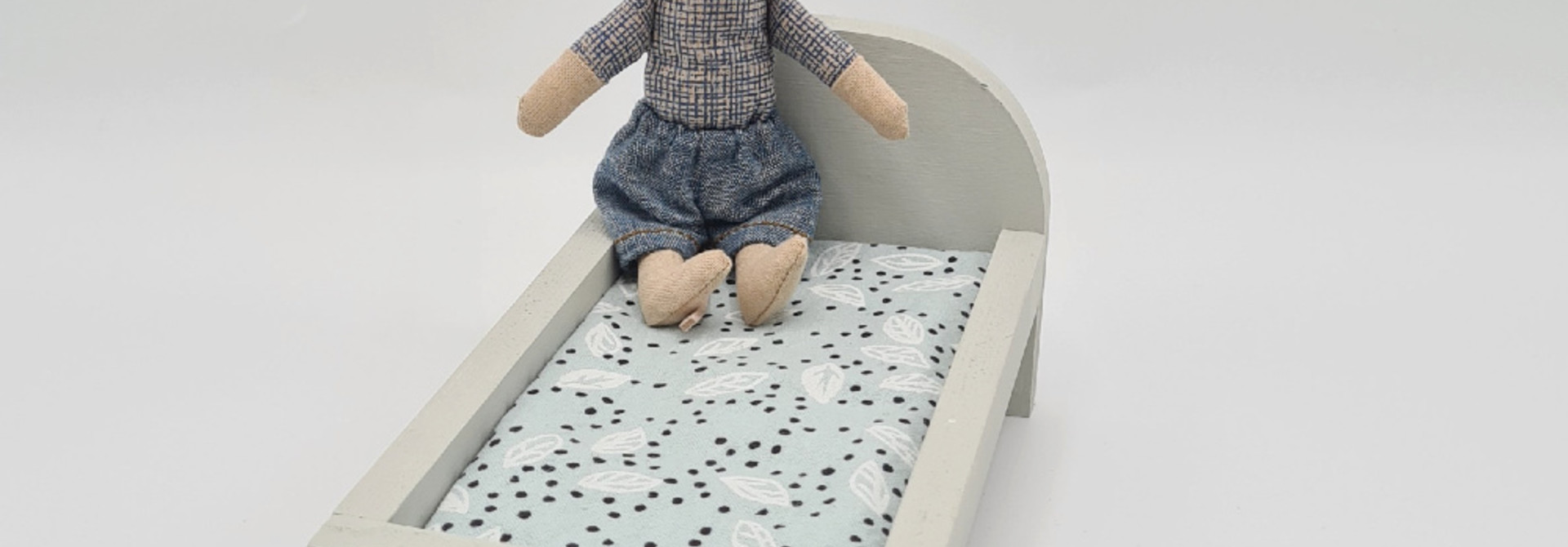 Bed for Maileg Mouses Small - Gentle Green