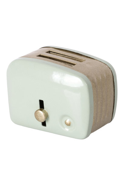 Toaster with Bread Mint