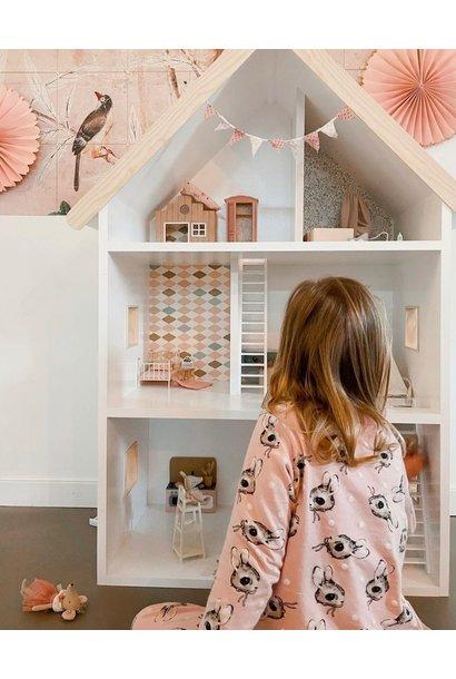 Maatwerk Laura poppenhuis met ramen, trappen en daklijst