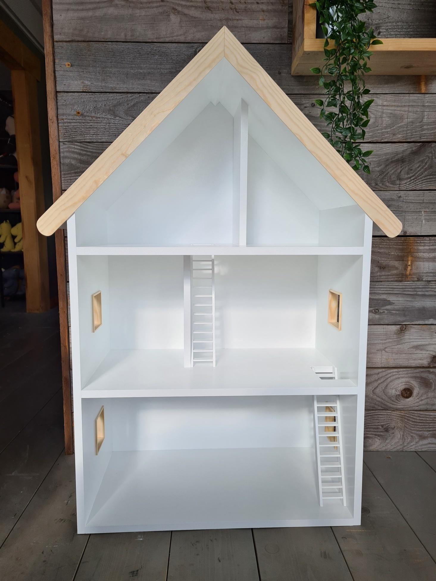 Maatwerk Laura poppenhuis met ramen, trappen en daklijst-2