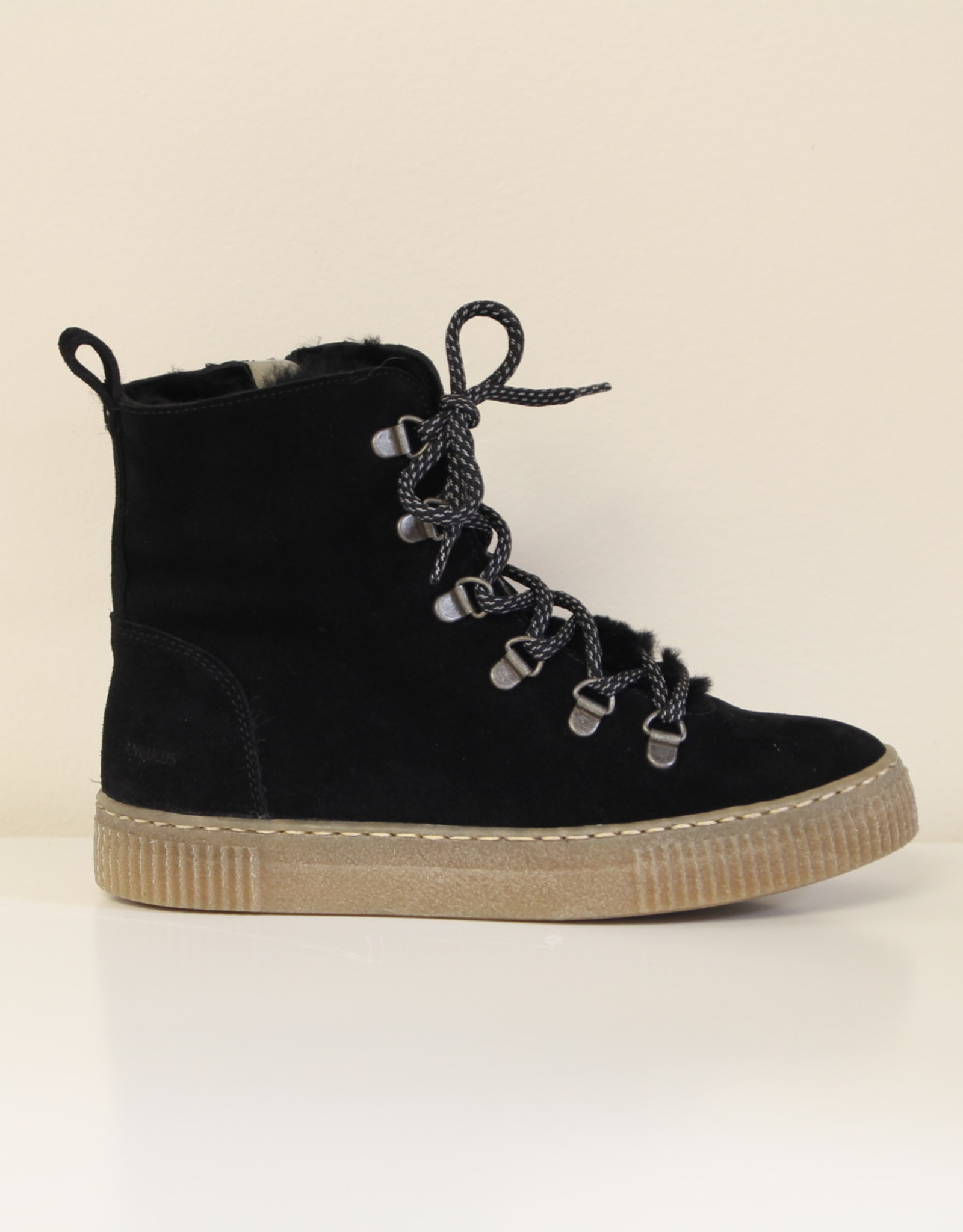 Angulus 6088-01 boot with laces, zipper and wool lining zwart