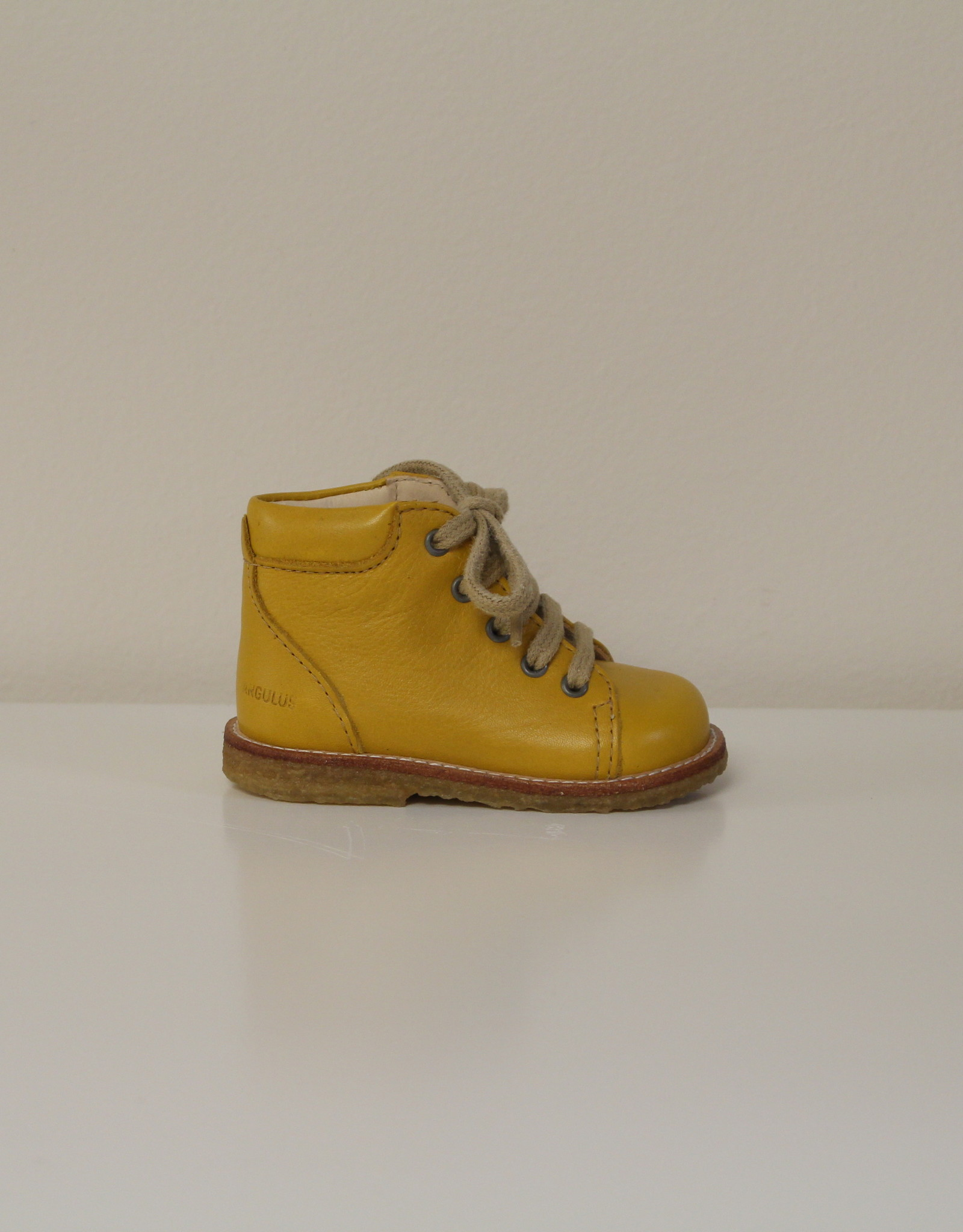 Angulus 2361-101 starter boot with laces