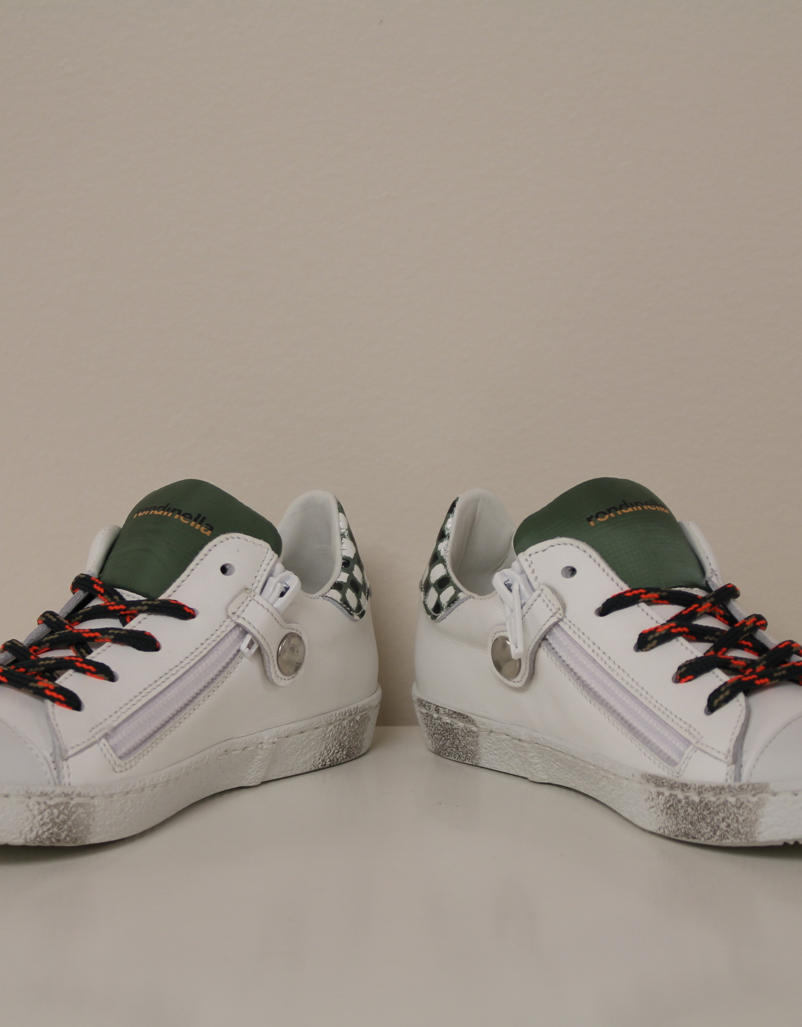 Rondinella 11227-13a witte sneaker rode ster