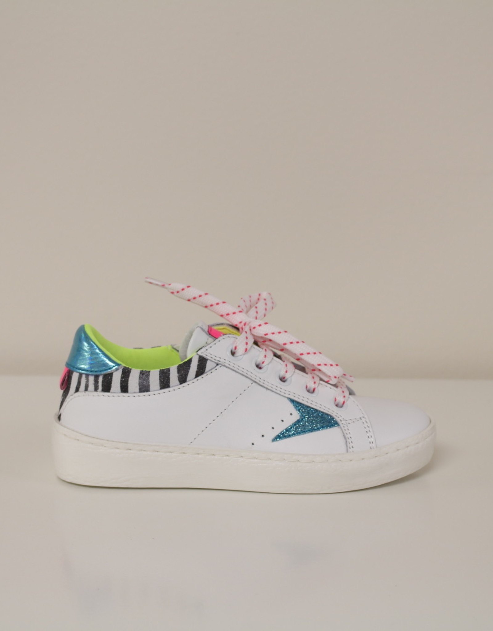Romagnoli 5895 witte sneaker met turquoise accent