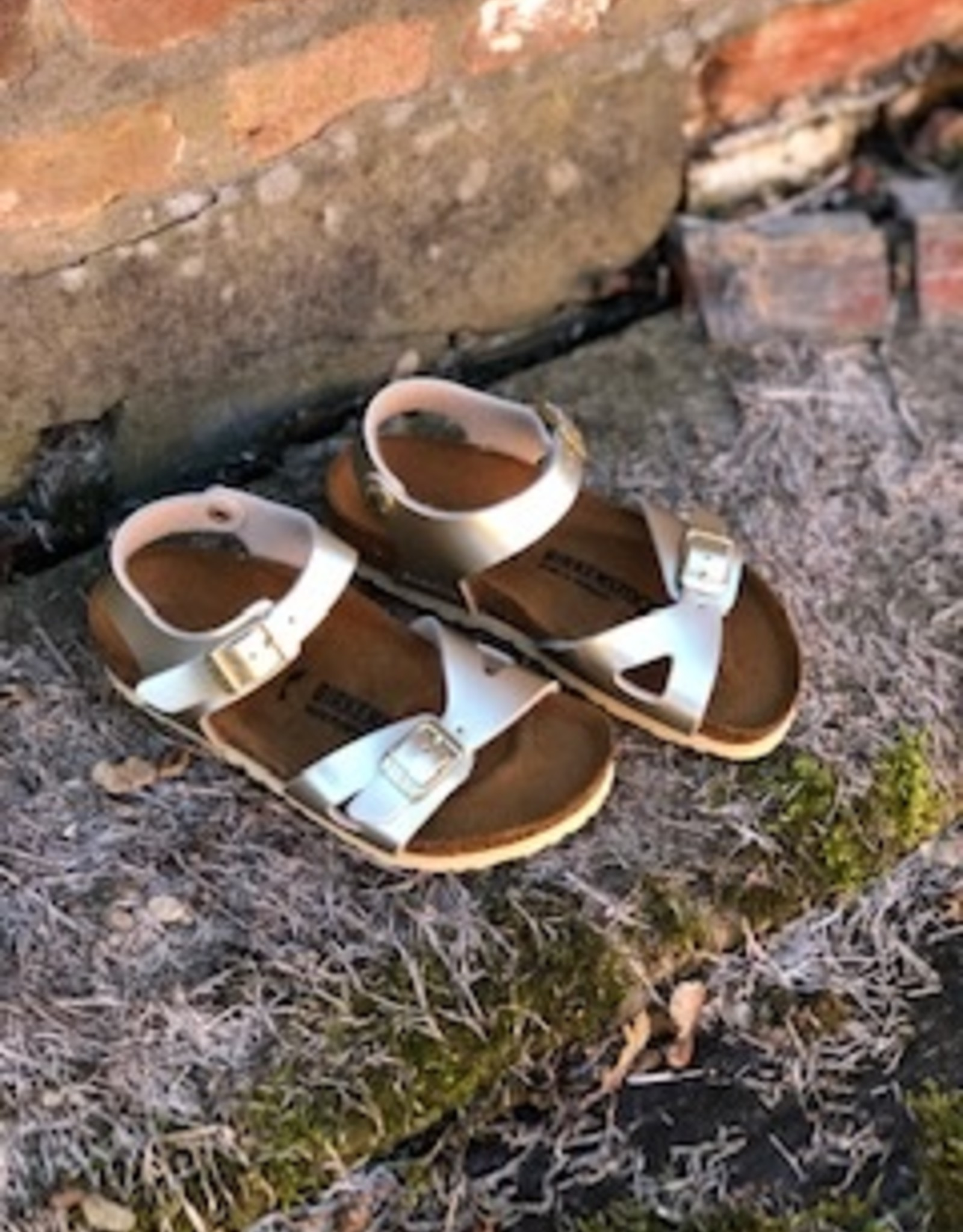 Birkenstock Rio electric metallic gold
