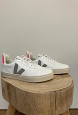 VEJA small-V-10-laces white oxford grey