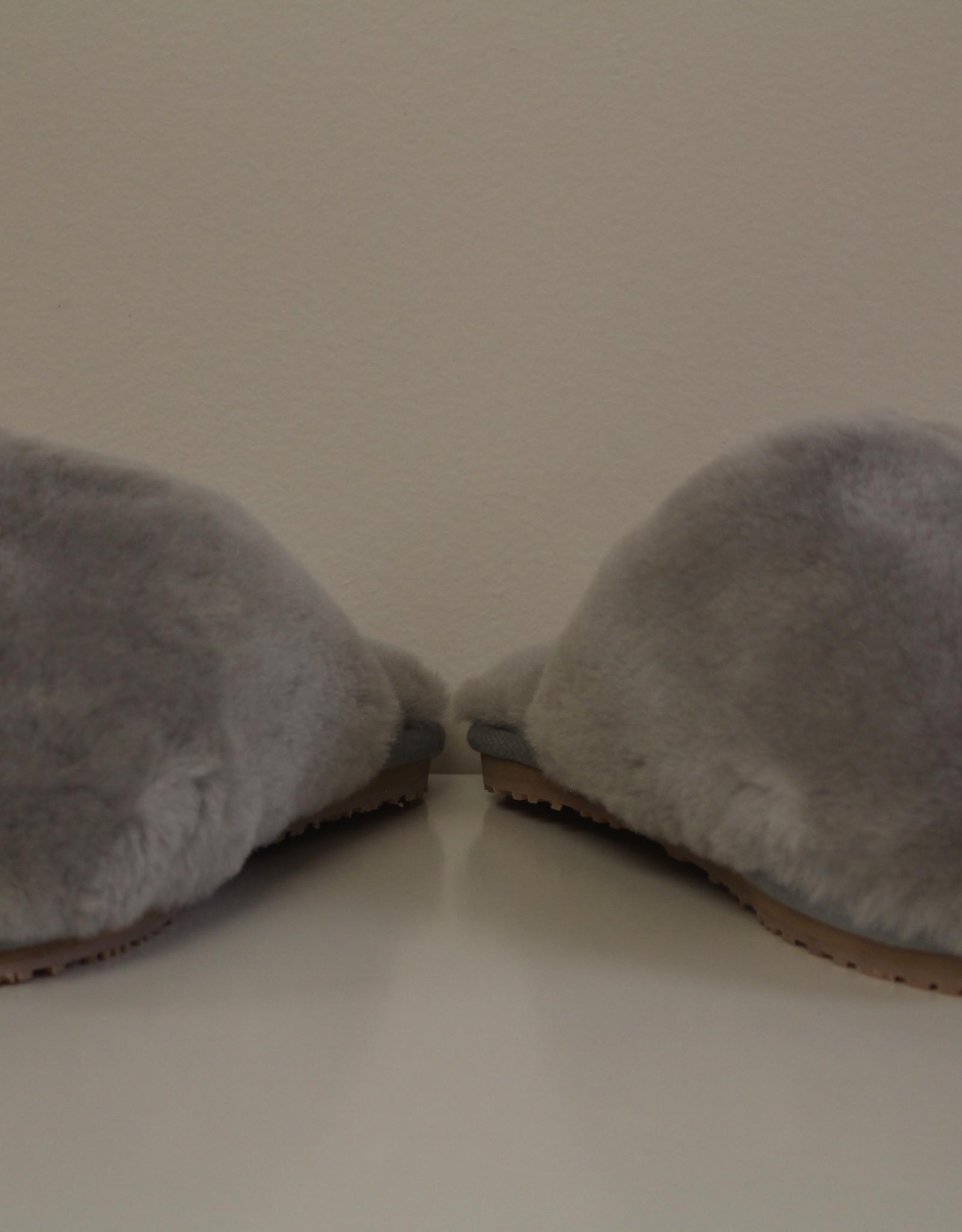 MOU closed toe sheepskin slipper