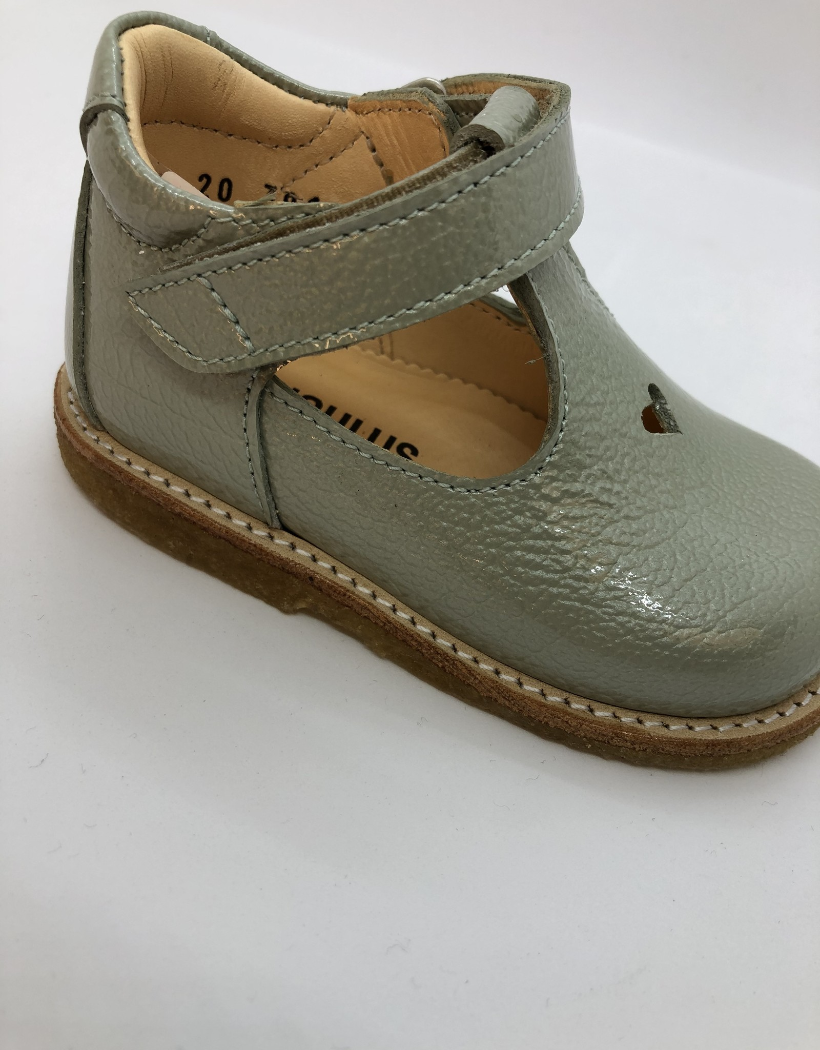 Angulus 3267-101 starter Mary Jane with heart and velcro pastel green