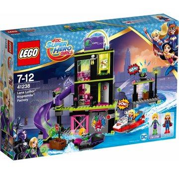 LEGO Super Hero Girls 41238 Lena Luthor Kryptomite-fabriek