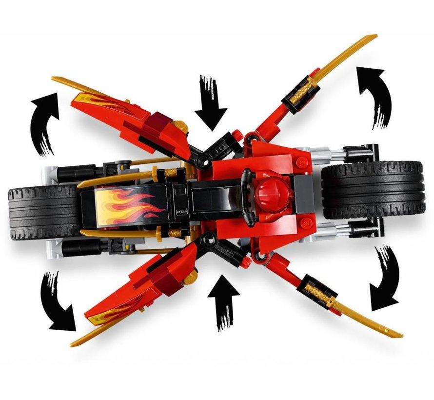 70667 Ninjago Kai`s Blade Cycle en Zane`s Snowmobile