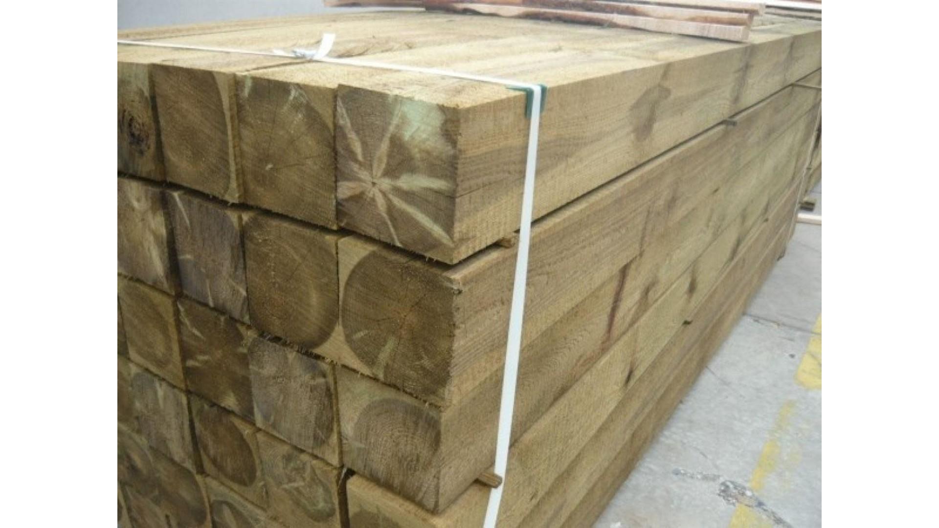 Grenen paal 15x15 cm - fijnbezaagd