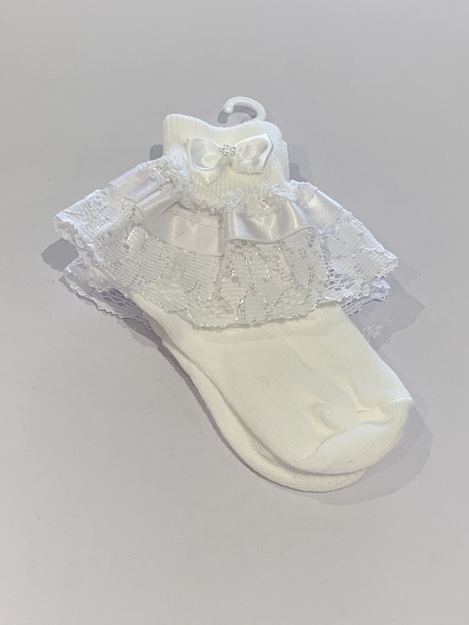 The Frilly Sock co white ankle frilly Socks with bow detail daisy