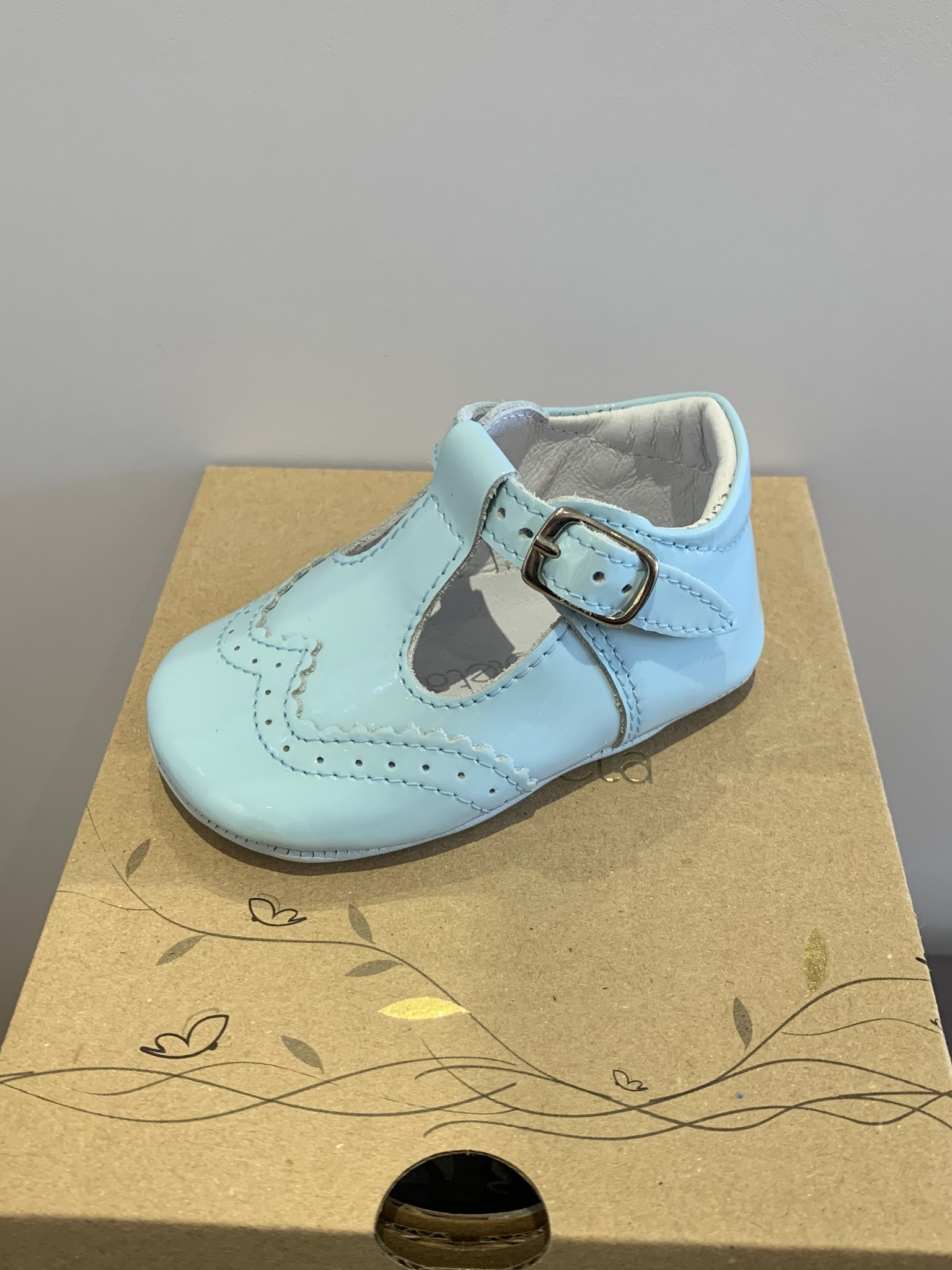 Borboleta Borboleta Pre Walker Baby Boy Shoes Soft Sole Pale Blue Patent 104 - Alex