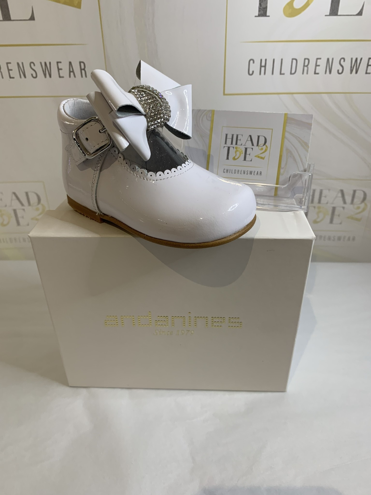Andanines ANDANINES WHITE DIAMANTE BOW SHOES 201824